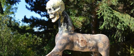 mŕtvy kentaur /cca dead centaur/ 90 cm